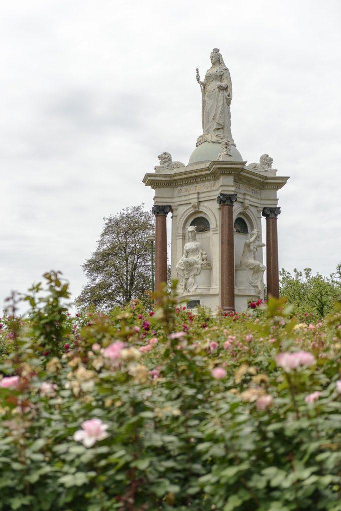 Queen Victoria Memorial image 1086736-3