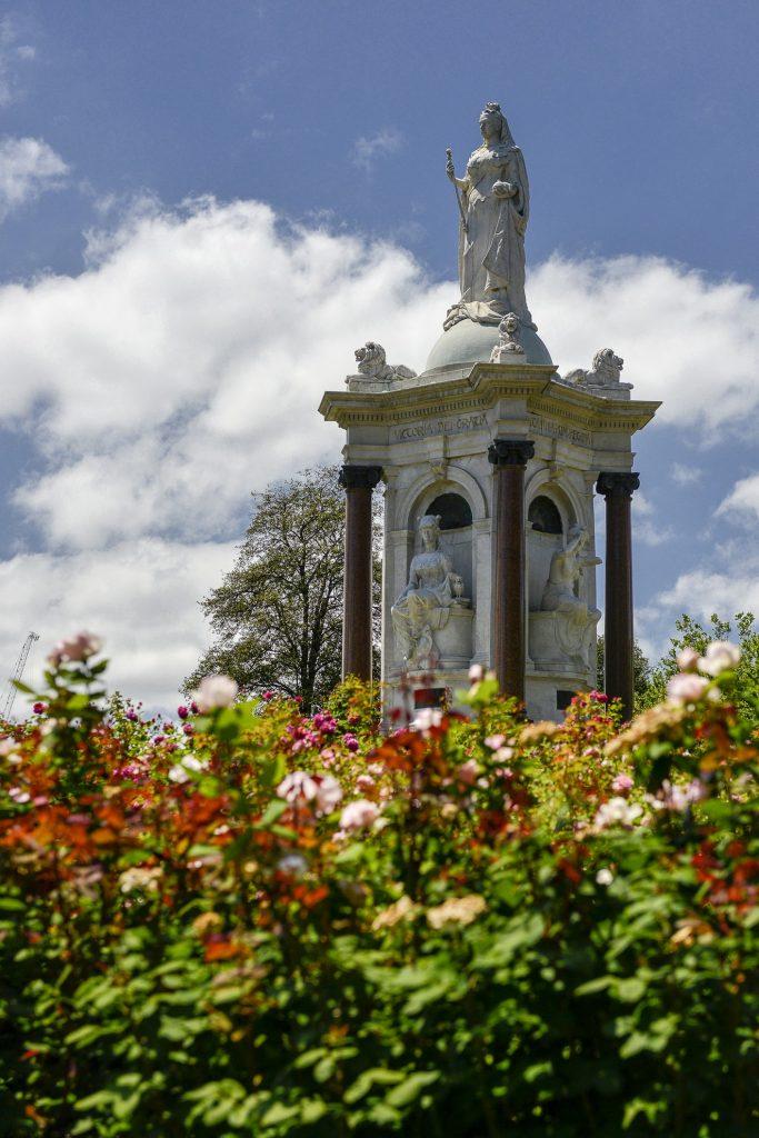 Queen Victoria Memorial image 1086736-5