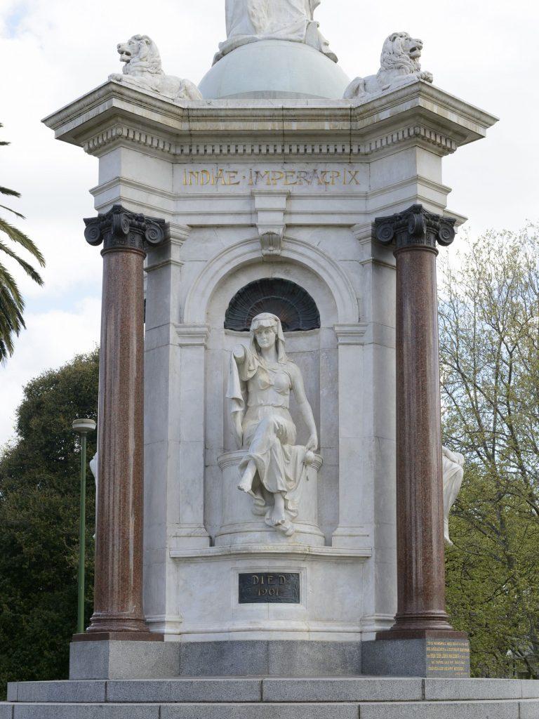 Queen Victoria Memorial image 1086736-7