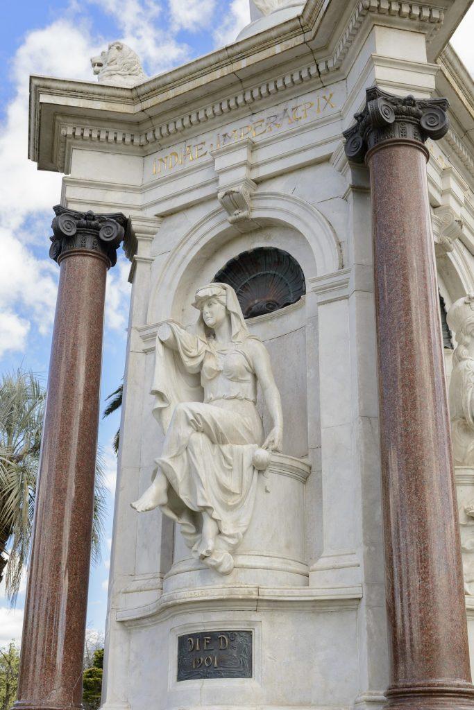 Queen Victoria Memorial image 1086736-9