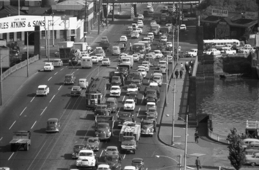 35A-91d Image showing heavy traffic on Spencer Street bridge, South Melbourne