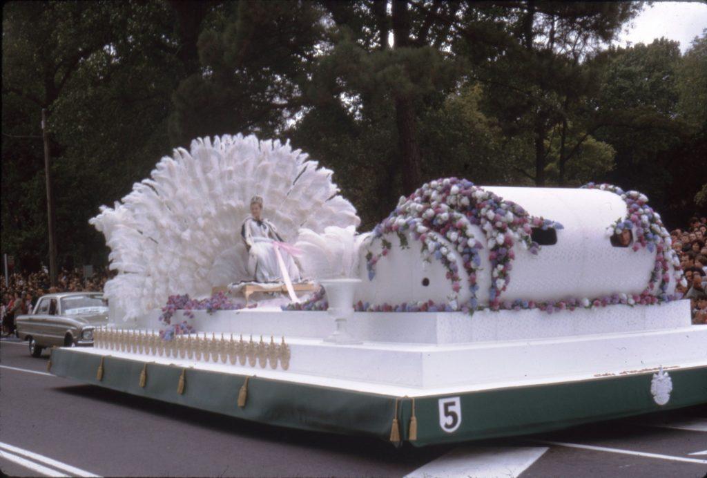 Moomba Queen float, 1964