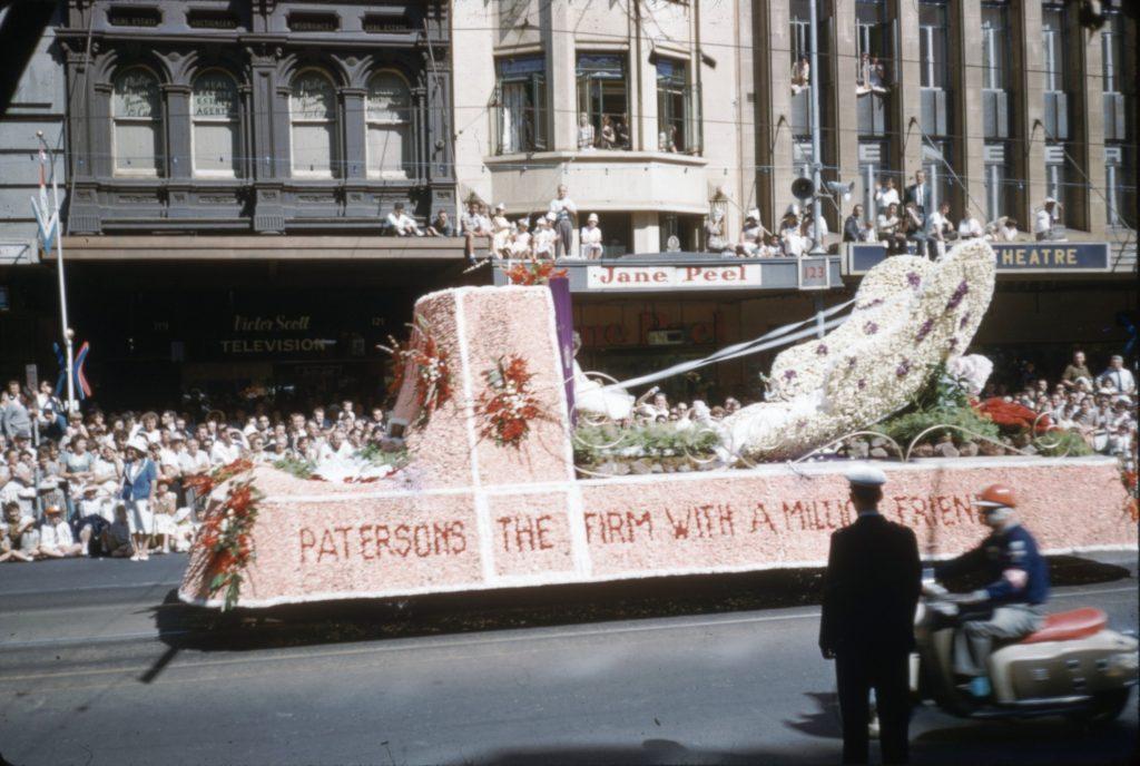 Patersons float, 1965