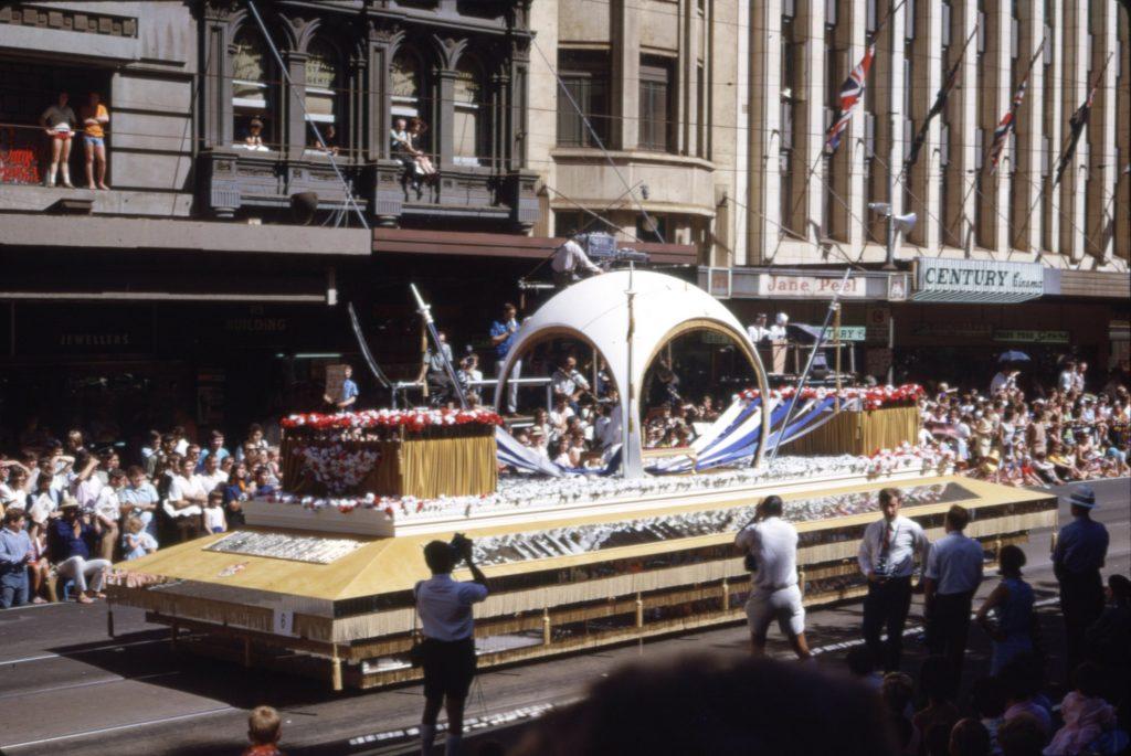 Moomba Queen float, 1965